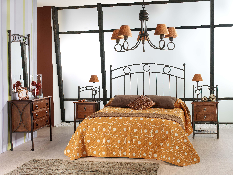 Dormitorio de forja y madera mod KIev fabricado a mano tonos de