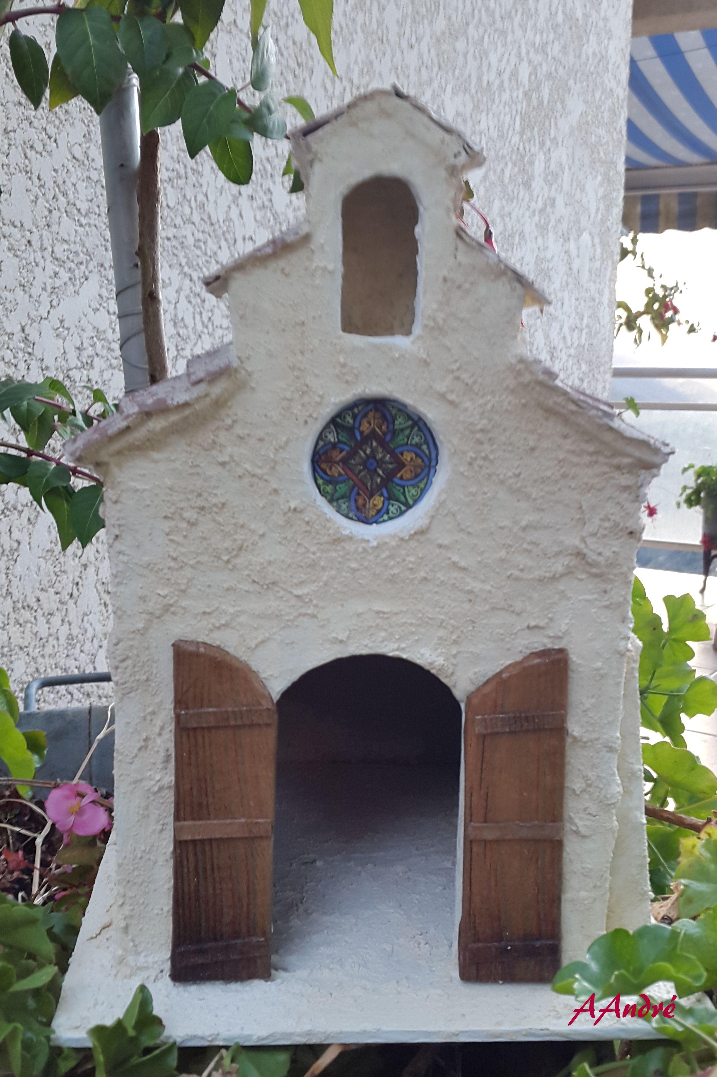 Chapelle en carton pour la cr che mobilier en miniature for Maison miniature en bois