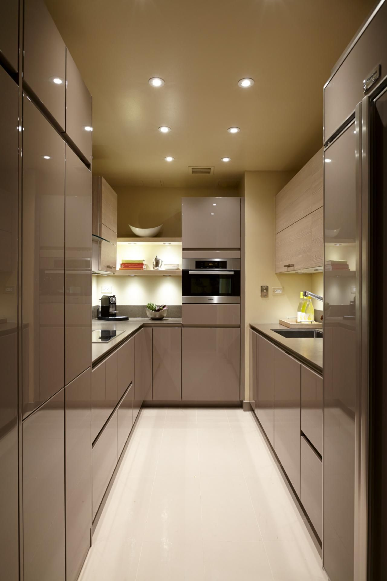 Small Kitchen Remodel Ideas Shining And Maximal Fresh Look Small Modern Kitchens Kitchen Remodel Small Modern Kitchen