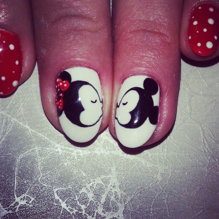 Nails art painting nails mickeymouse mickey and minnie | nails art ...