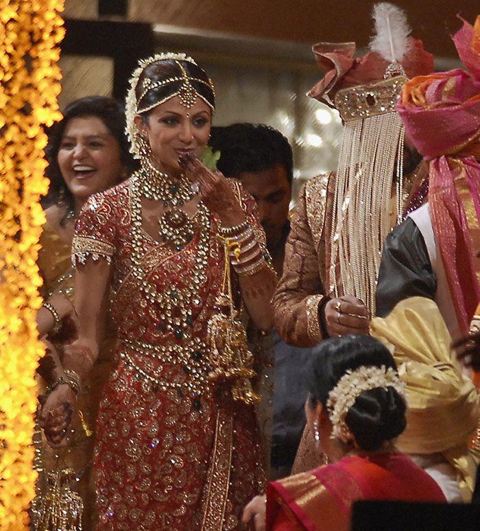 Shilpa Shetty Wedding Saree And Jewellery Indian Bride Wedding Jewelry For Bride Indian Wedding
