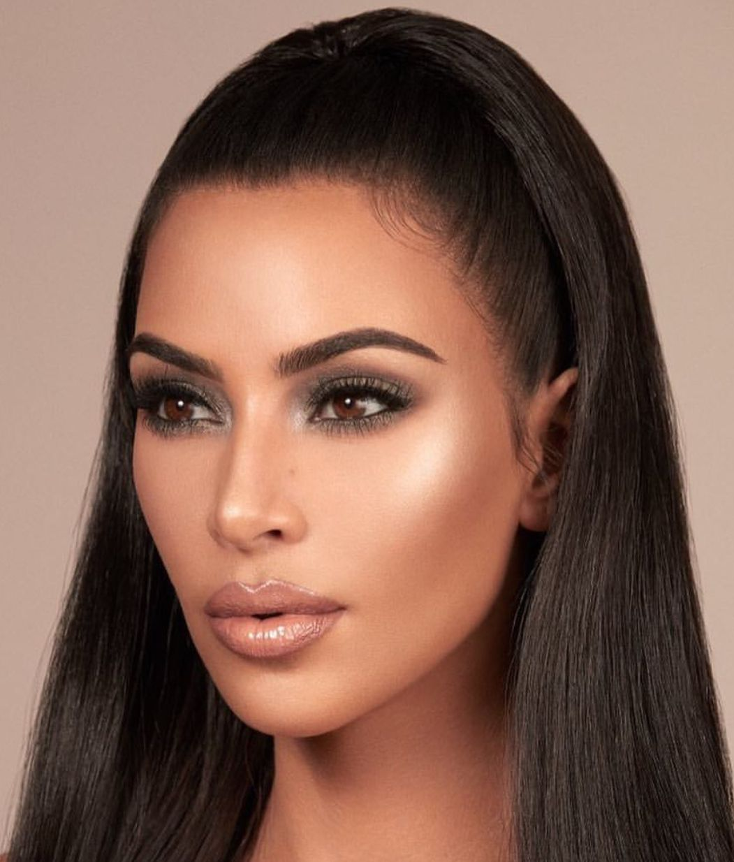 Kim kardashian KKW Beauty makeup look Kim kardashian