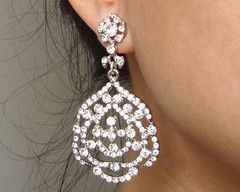 Turn up the vintage glamour with these crystal drop wedding earrings. €59/£48/$81