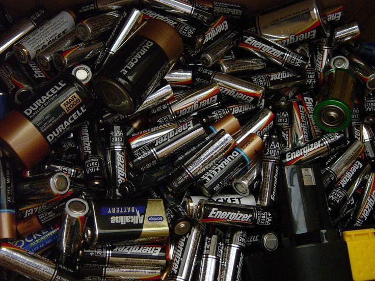 Battery Storage Tip Don't Let 9Volt Batteries Touch