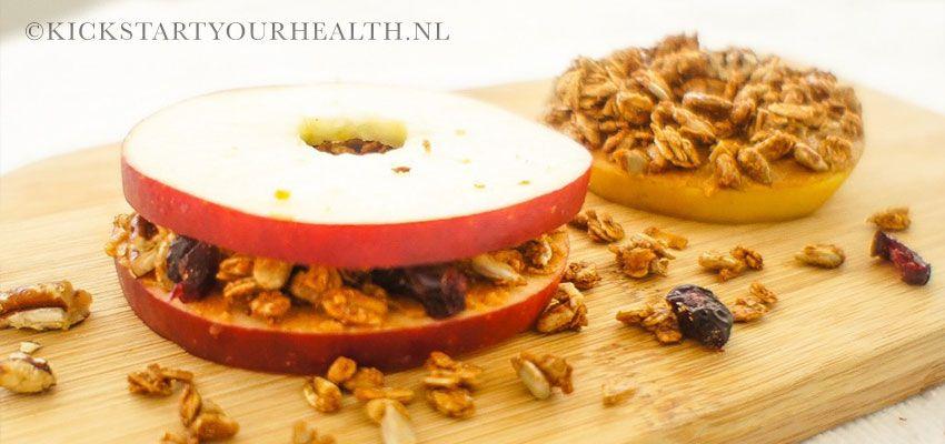Gezonde fruit snack van appel (broodvervanger)
