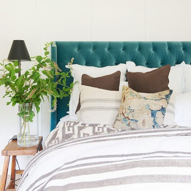 What do you think of this velvet tufted headboard? Like or love?