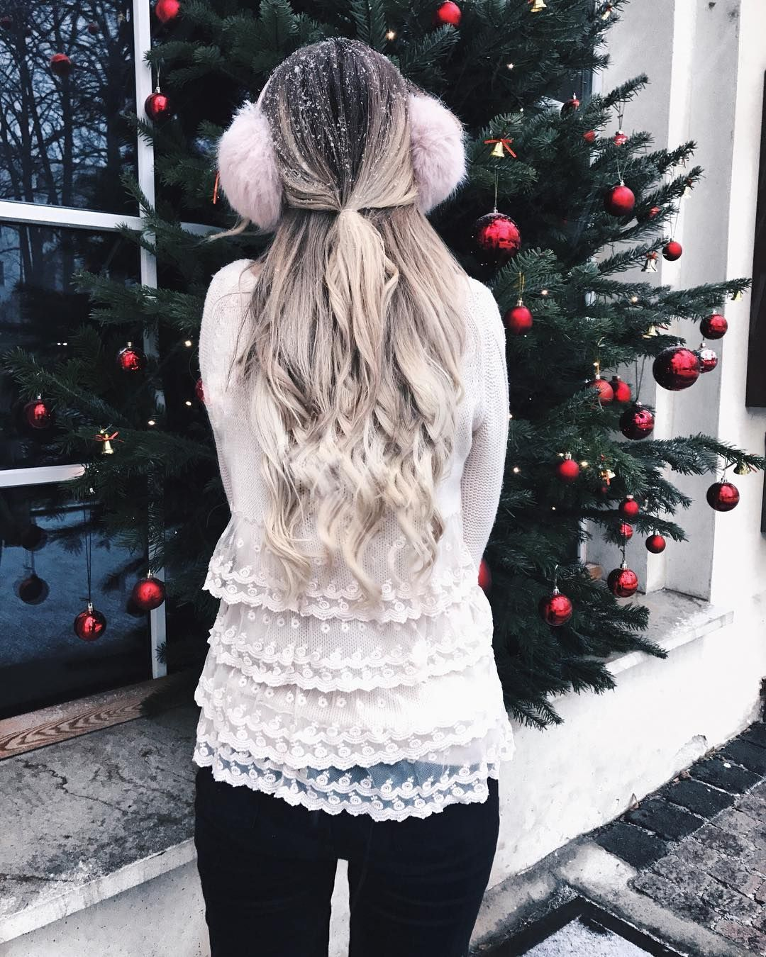 Virtual Hairstyle For Your Face: Long Curly Hairstyles