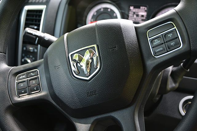 Ram-Interior-DashDetail2-SteeringWheelControls
