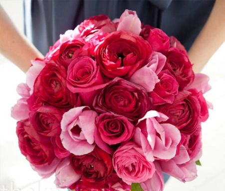red and pink wedding bouquets