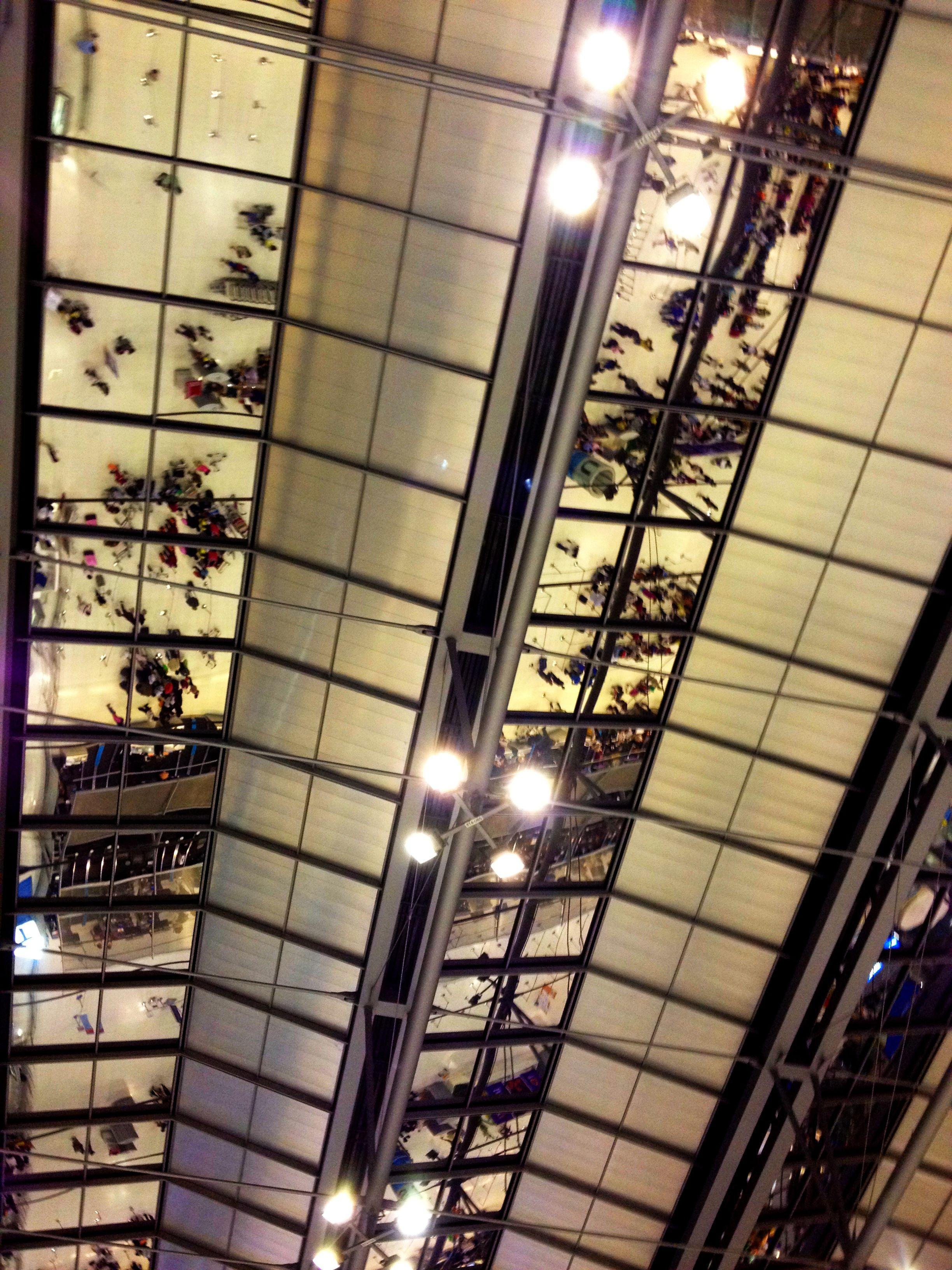 タイ、スワナプーム国際空港の天井