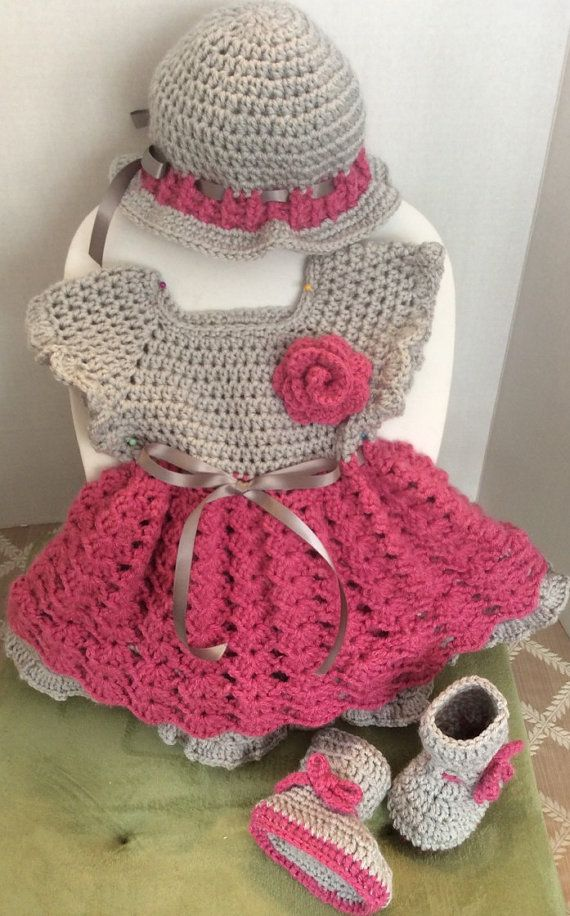 Crochet Baby dress hat and booties di ConsueloCrochets su Etsy