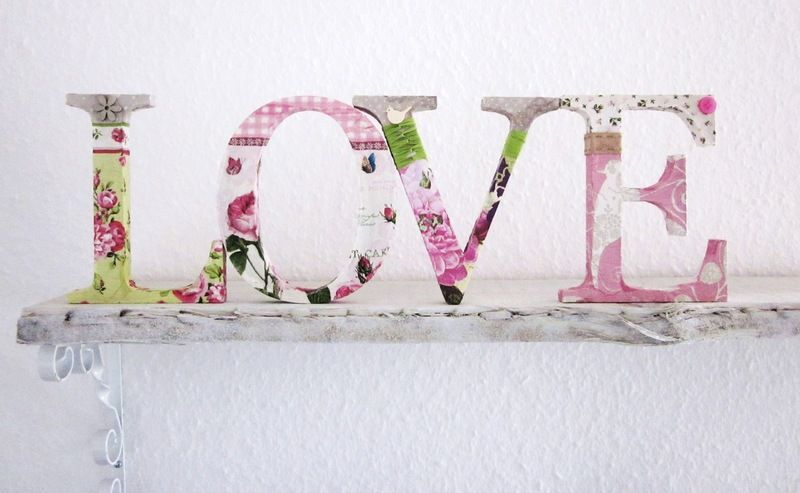 deko buchstaben love aus holz von d nenm dchen auf home pinterest creative. Black Bedroom Furniture Sets. Home Design Ideas