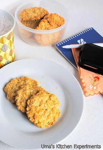 My Kitchen Experiments: Savoury Oat Crackers