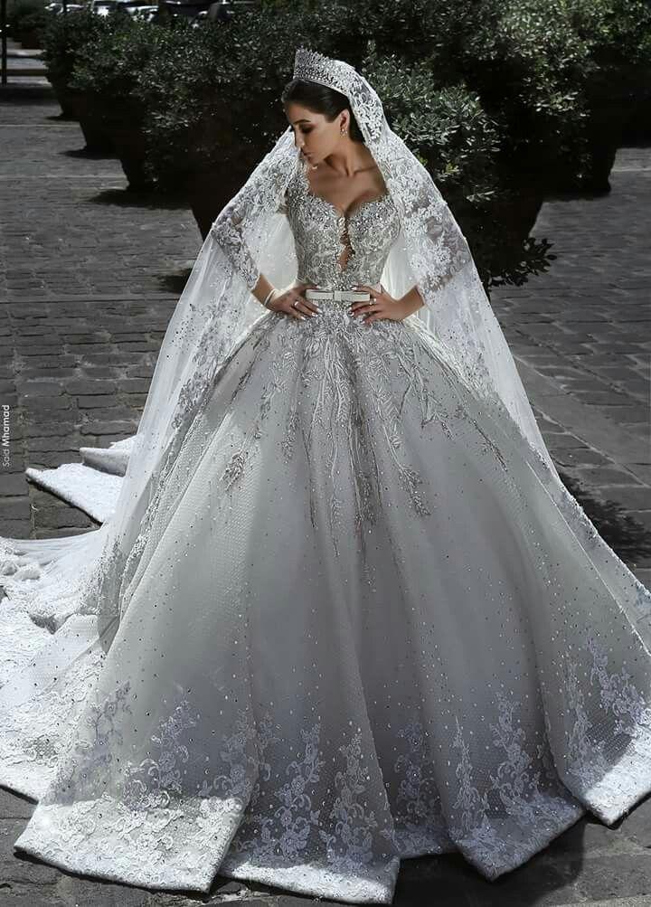 Pin von Julya auf grande dia❣ | Pinterest | Brautkleider ...
