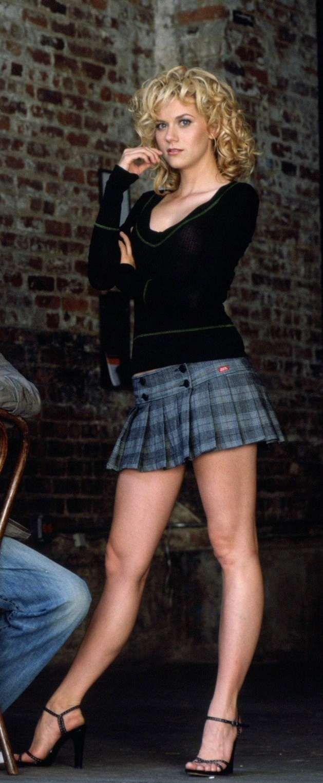 Hilarie Burton - short skirt and long legs ... | attire: Miniskirt ...
