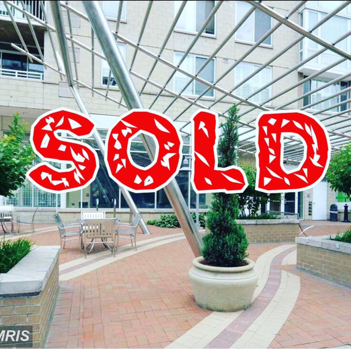 #SOLD #BarschRealty #BeyondExpectations #MontgomeryCounty #Downtown #SilverSpring #CrescentCondos #Luxury   #RealtorLife #RealtorStarShar 🏡🇺🇸🔑😄