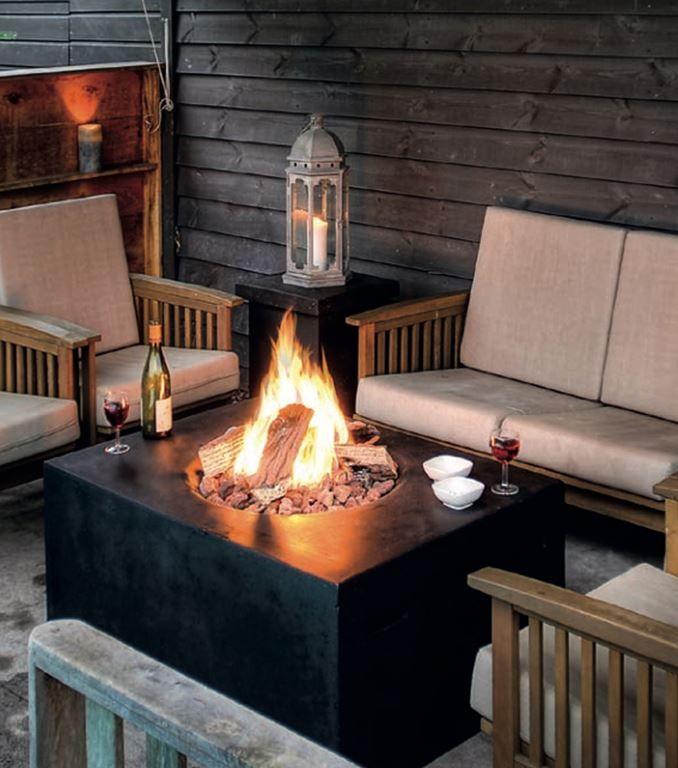 Moderne Ethanol Feuerstelle Sorgt Fur Romantik Feuerstellen Im Freien Feuertisch Feuerstelle Garten