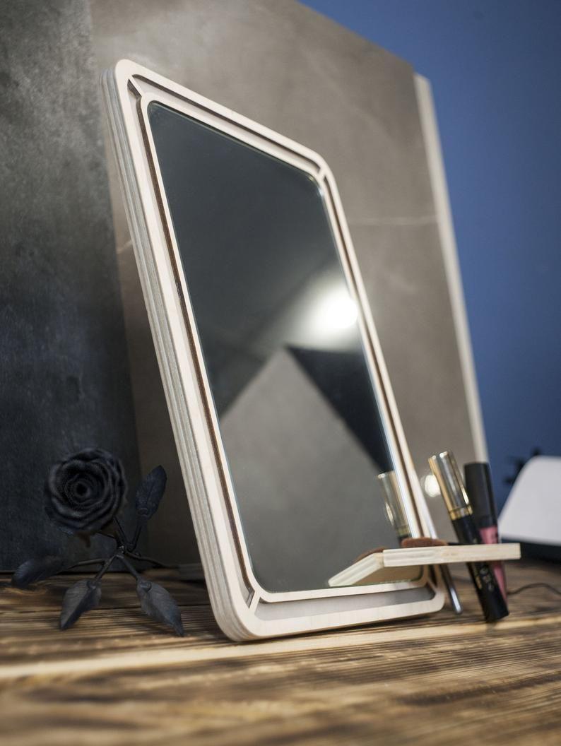 Eitelkeit Make Up Spiegel Mit Led Leuchten Make Up Zu Etsy In 2020 Mirror With Led Lights Led Lights Makeup Mirror