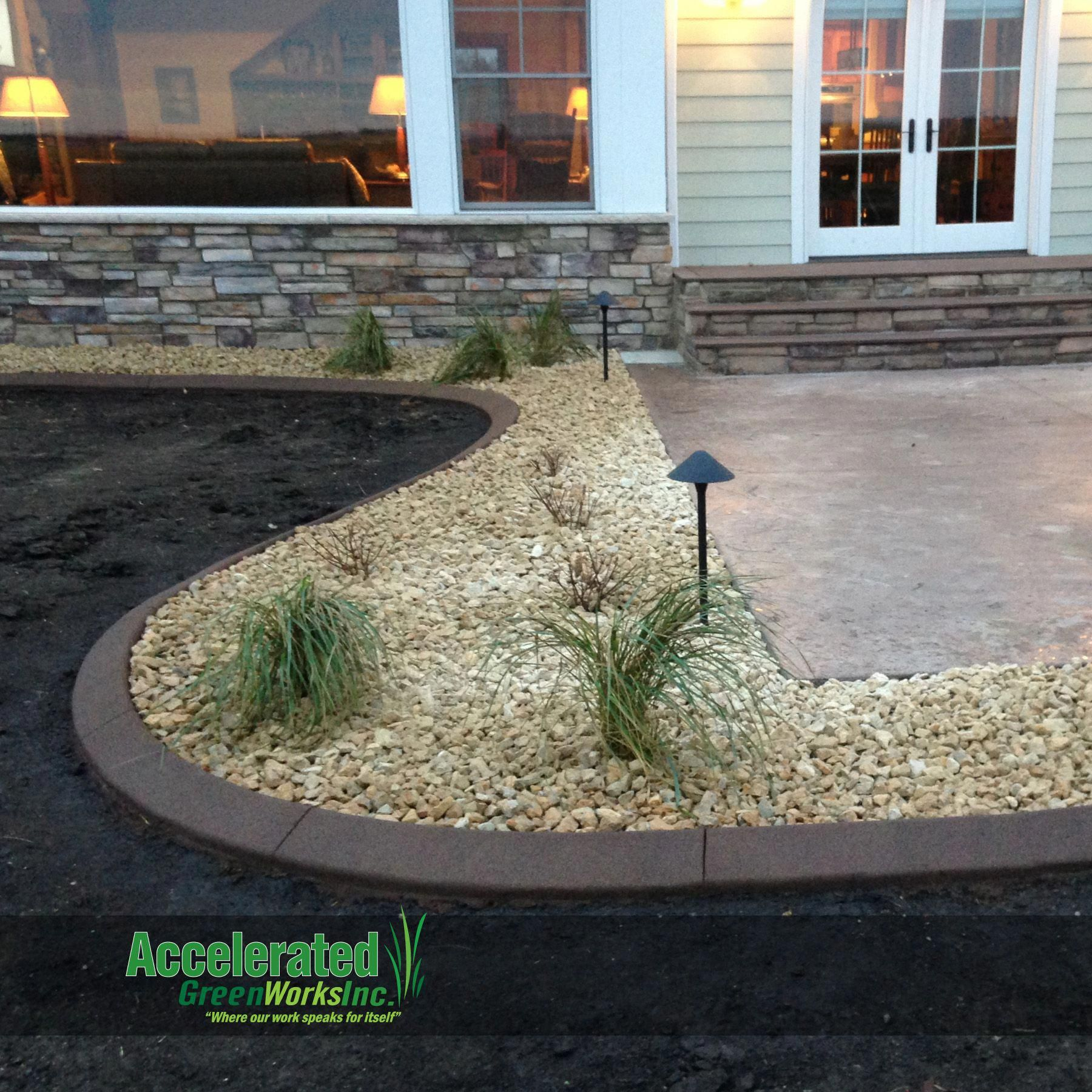 With the thickness of concrete curb edging, it is able to