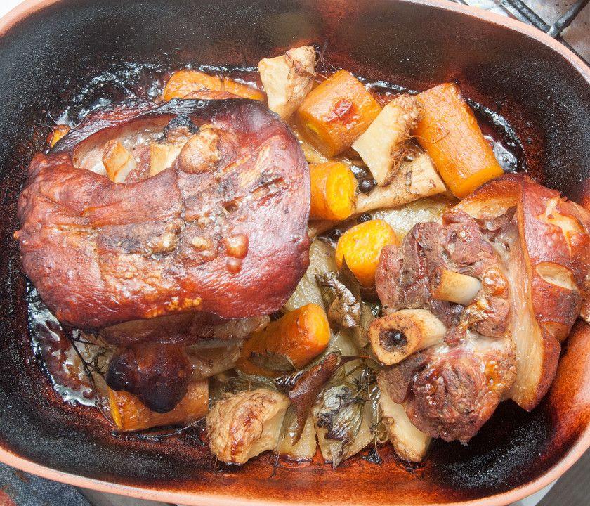Schweinshaxe Im Romertopf Von Atze Thon Chefkoch Rezept Schweinshaxe Rezept Rezepte Fleisch Gerichte