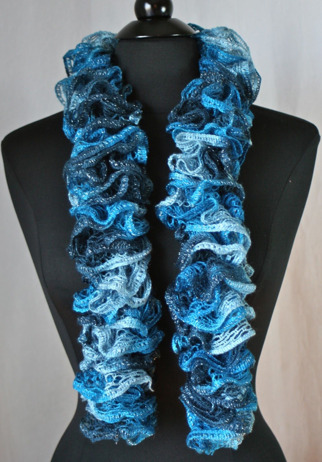 dcfbade8bfd61 Crocheted Ruffled Scarves - Sashay vs. Starbella | Cozy crochet ...