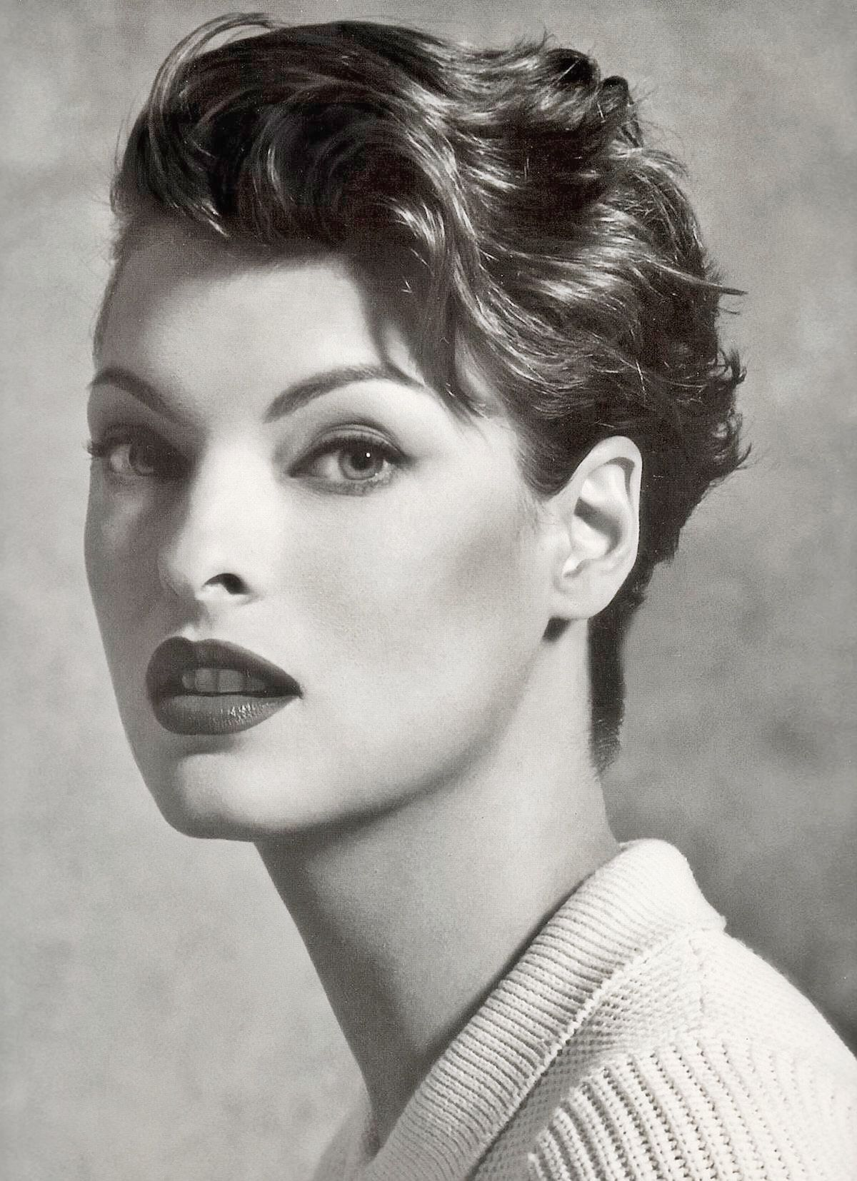 Linda Evangelista Covers The 35th Anniversary Issue Of: Linda Evangelista In 2019