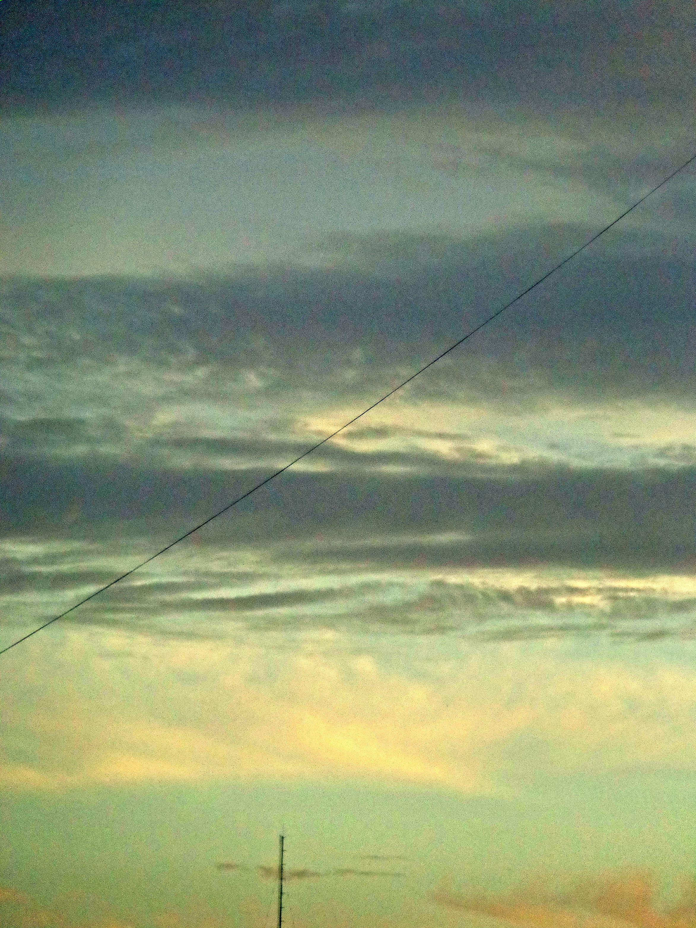 Y ahora? La nubes se escurres con las acuarelas, en capas ...