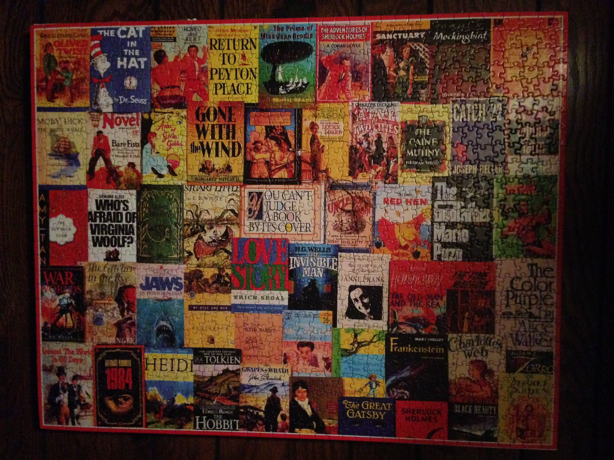DIY jigsaw puzzle frame--puzzle glue, foam board, aerosol glue ...