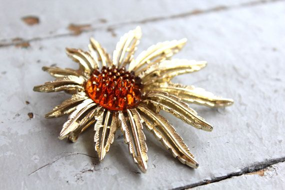Vintage Sarah Coventry Abstract Daisy Pin by SpiralCreations