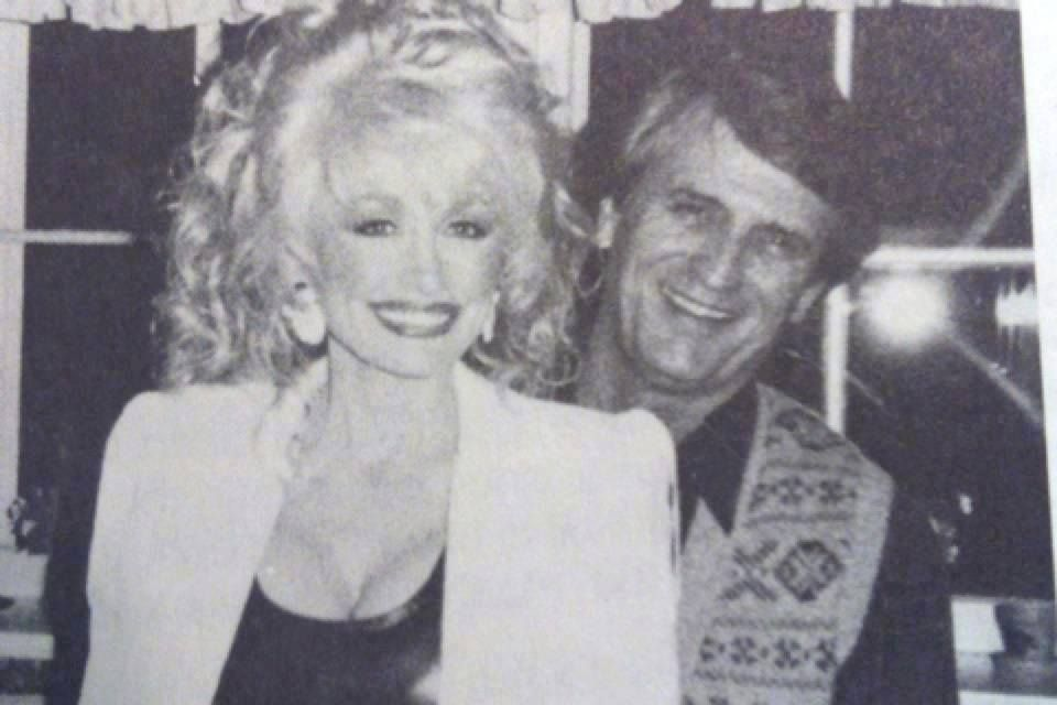 Dolly Parton with her husband Carl - 50.0KB