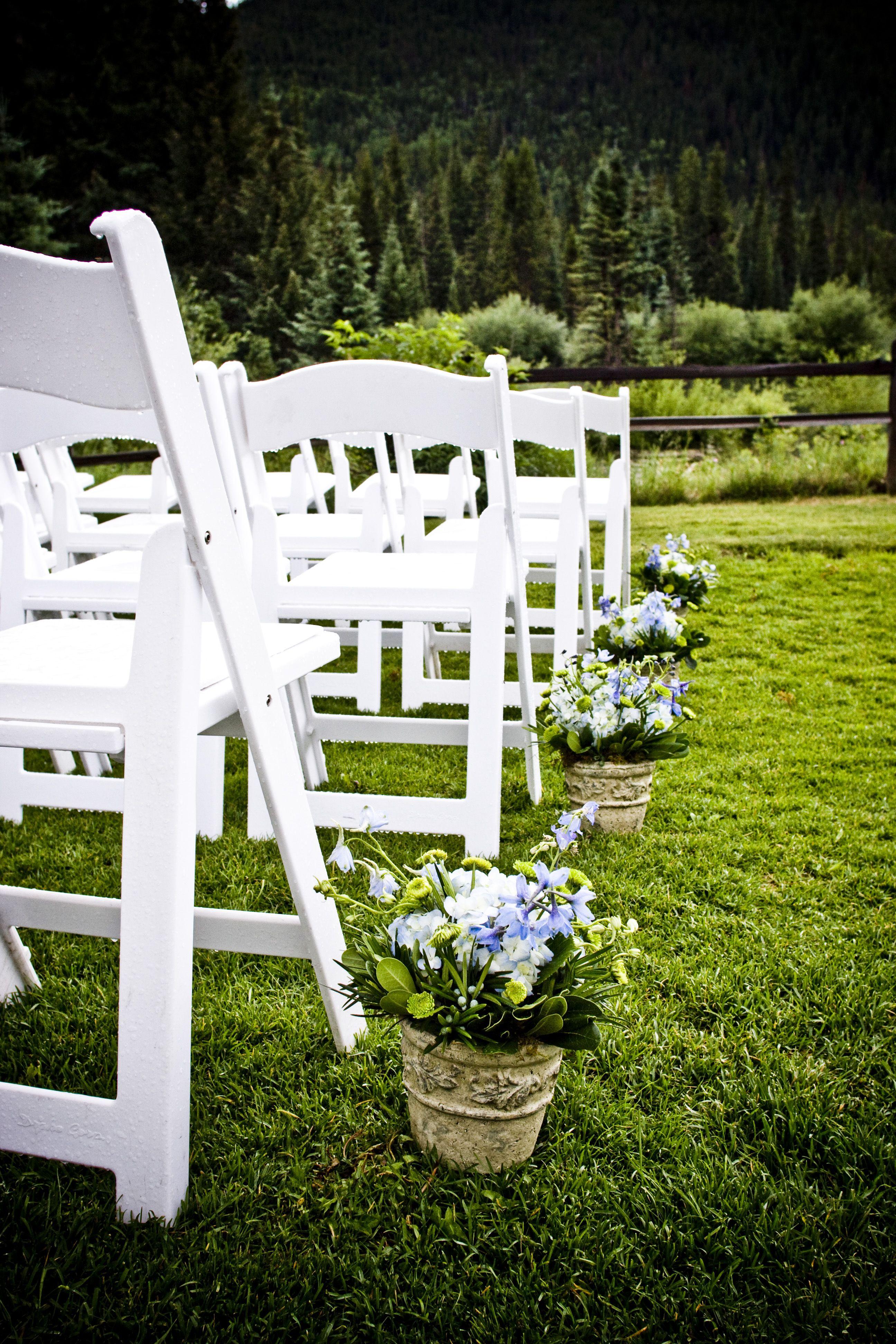 Simple & Pretty. Photo Credit: IN Photography. Venue: Ski ...
