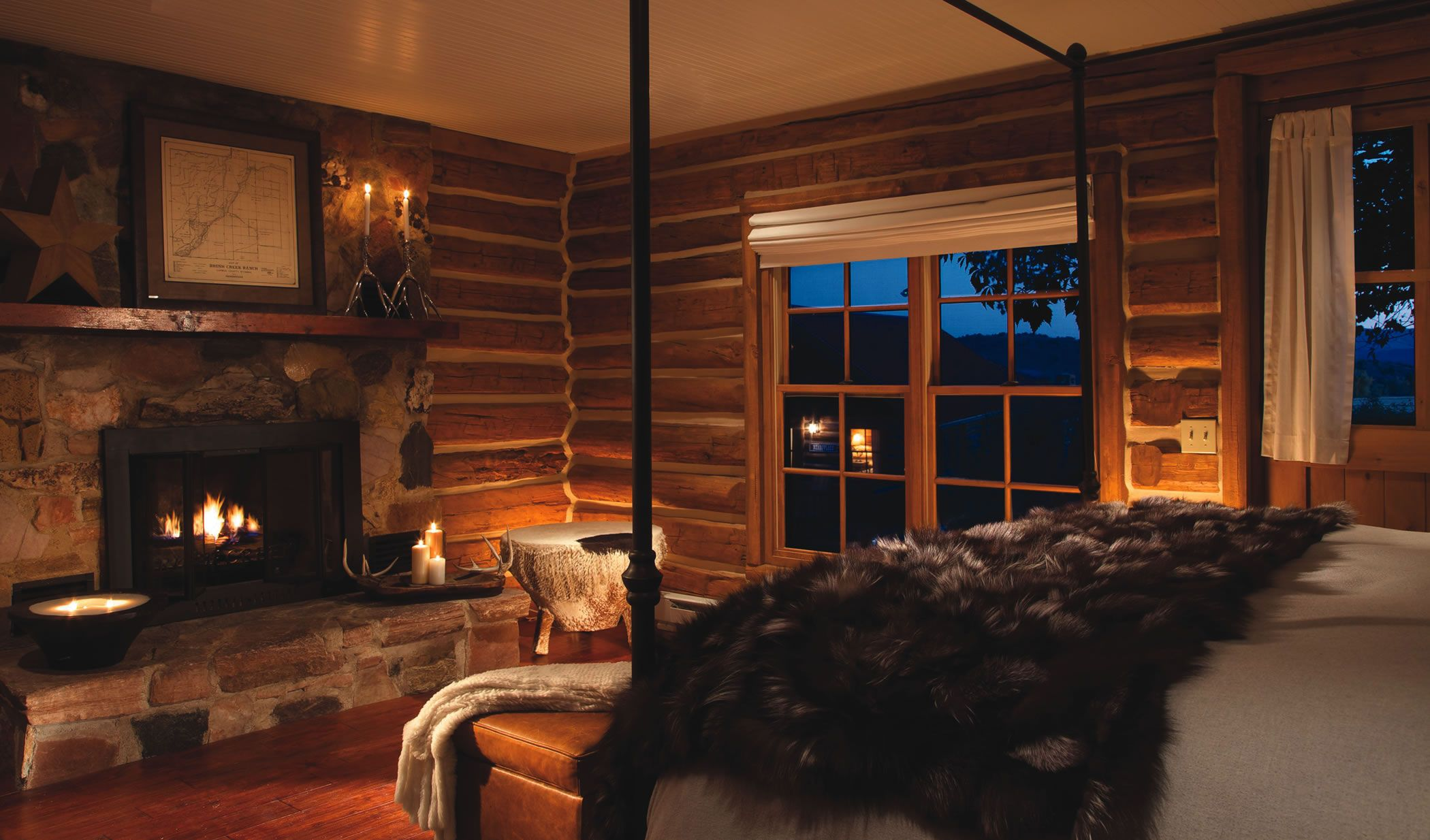 Romantic Cabin Bedroom with Fireplace   Romantic Cabin ...