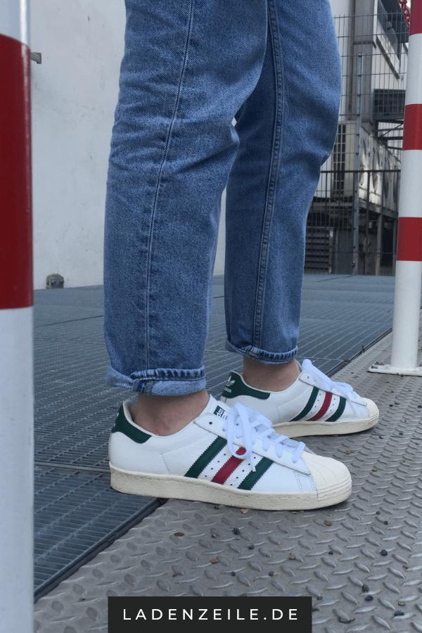 7f1f2e9024dcf Adidas Superstar kannst zu einem Outfit im lässigen Streetstyle  kombinieren: In Weiß, Lederverarbeitung mit