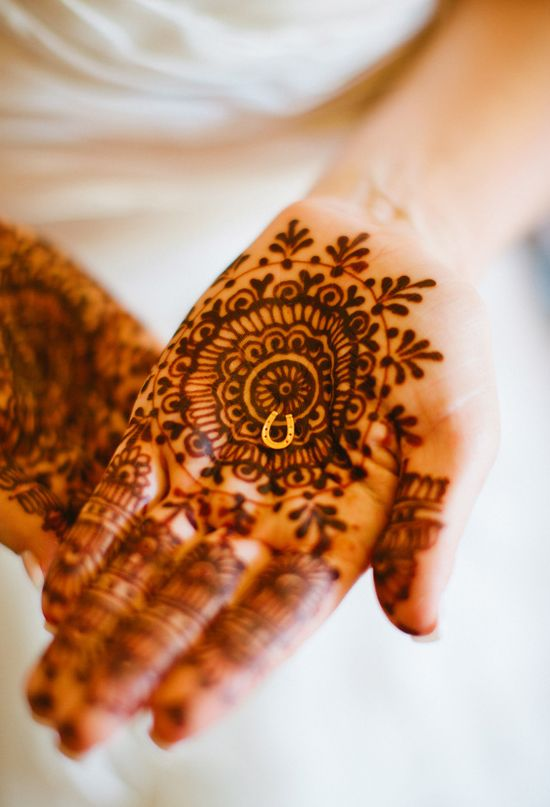 Wedding Henna And Golden Horseshoe Its All In The Details
