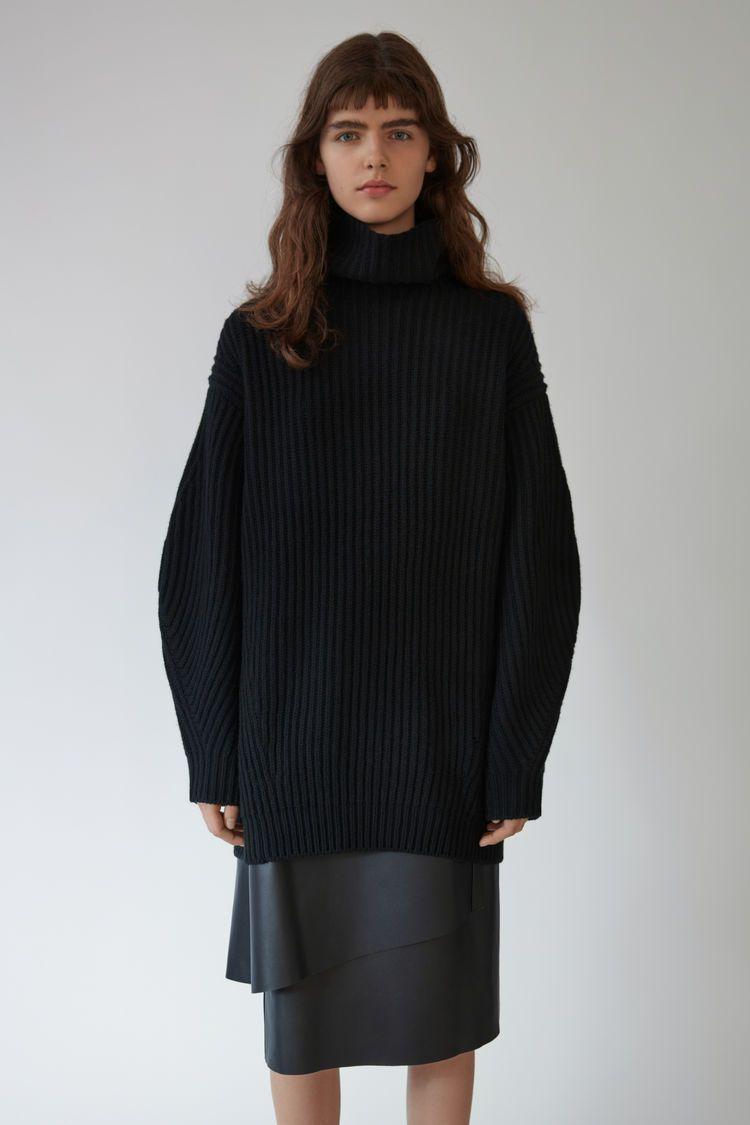 Oversized turtleneck sweater | DRESS.STYLE.LOOKS | Pinterest ...