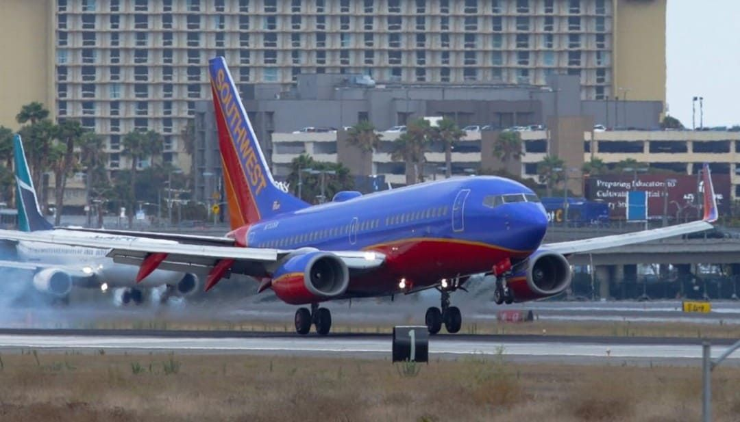 Man Hit By Plane One Killed At Austin Airport Texas In 2020 Austin Airport By Plane Austin Police