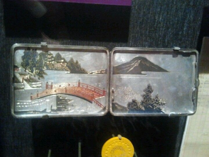 The Mob Museum, Las Vegas. Silver cigarette case given to ...