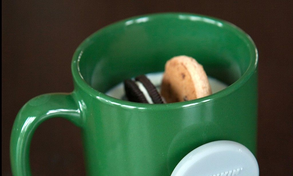Gadget catches soggy crumbs as you dunk in your mug
