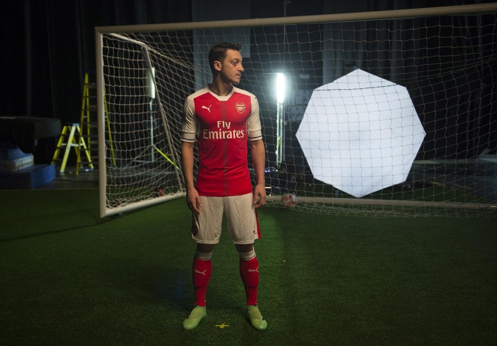Behind The Scenes At Home Kit Photoshoot (With Images