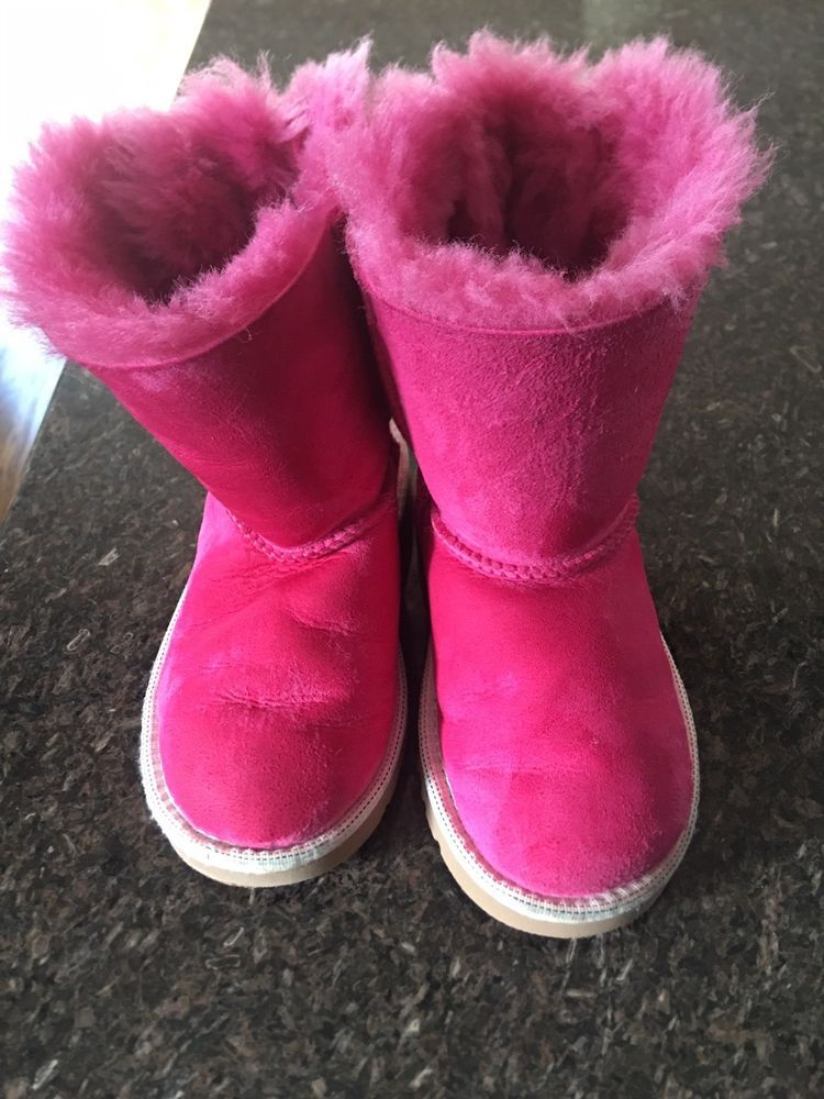 93fd232944a Uggs size 10 Toddler Girls Pink Uggs Bailey Bows Pink s/n 3280T ...