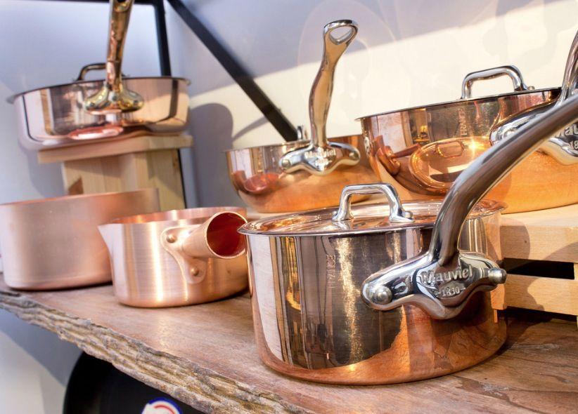 3 petites astuces pour d caper vos casseroles en cuivre. Black Bedroom Furniture Sets. Home Design Ideas