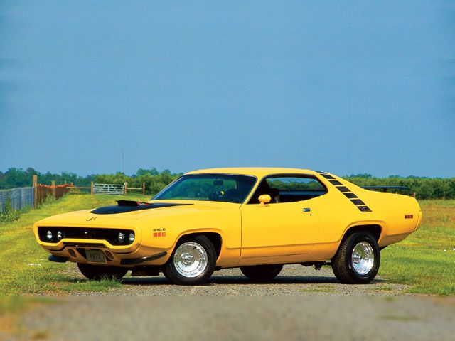 road runner 440 six pack with the pop up grabber hood scoop