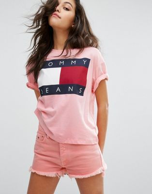 ea8786fc5 Tommy Jeans 90's T-shirt with Flock Logo | Mayra Resendiz | Pink ...