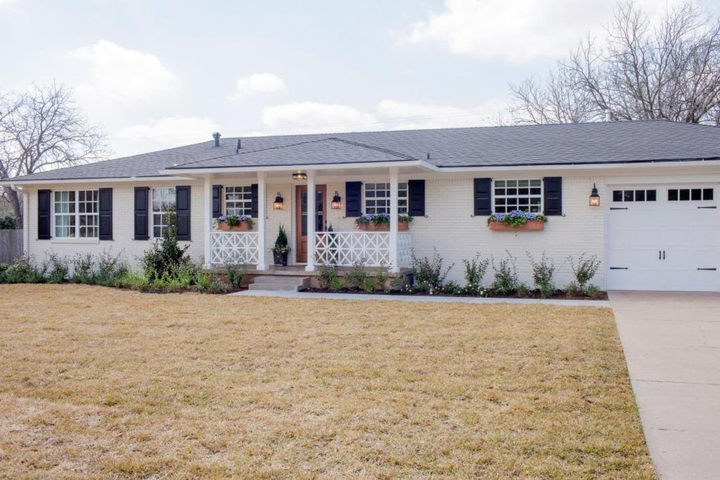 White Ranch House Green Shutters Ranch House Exterior Brick Ranch Houses Ranch House