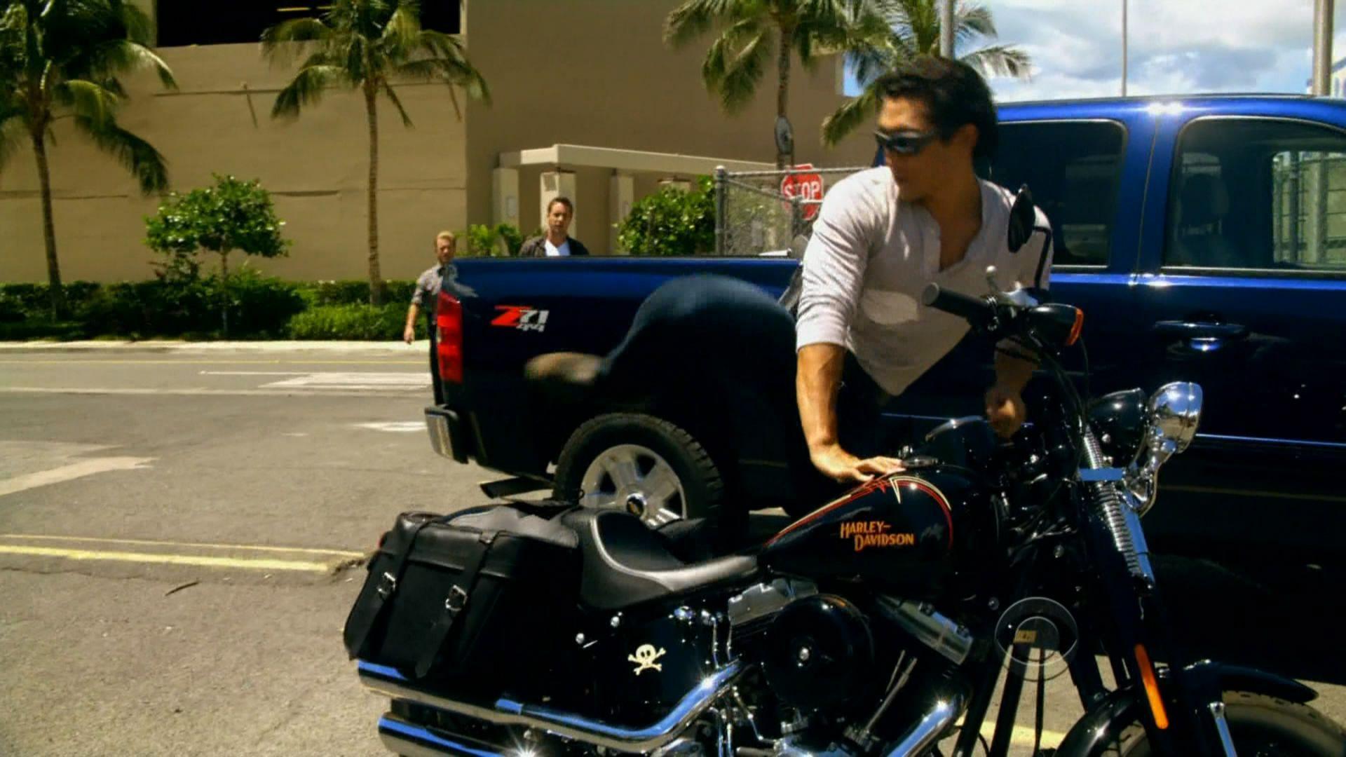 Chin Ho Kelly Jumping Onto His Motorcycle Like Whoa Softail Springer Harley Davidson Softail