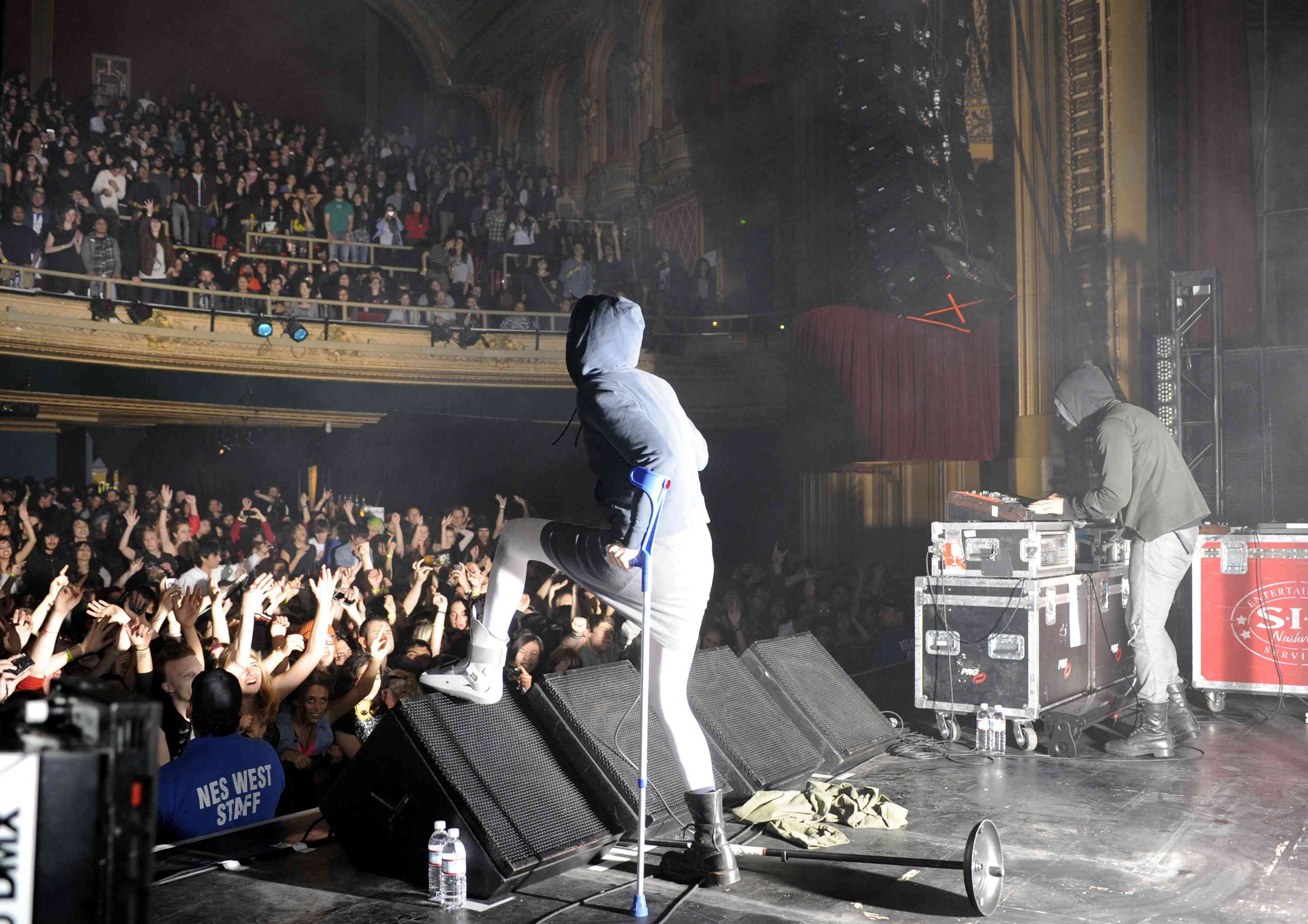 Crystal Castles Live The Warfield In San Francisco Photography