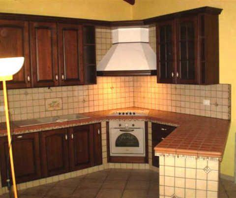 Un fantastico piano cucina in mattoni antichi. | Inspiring Home ...