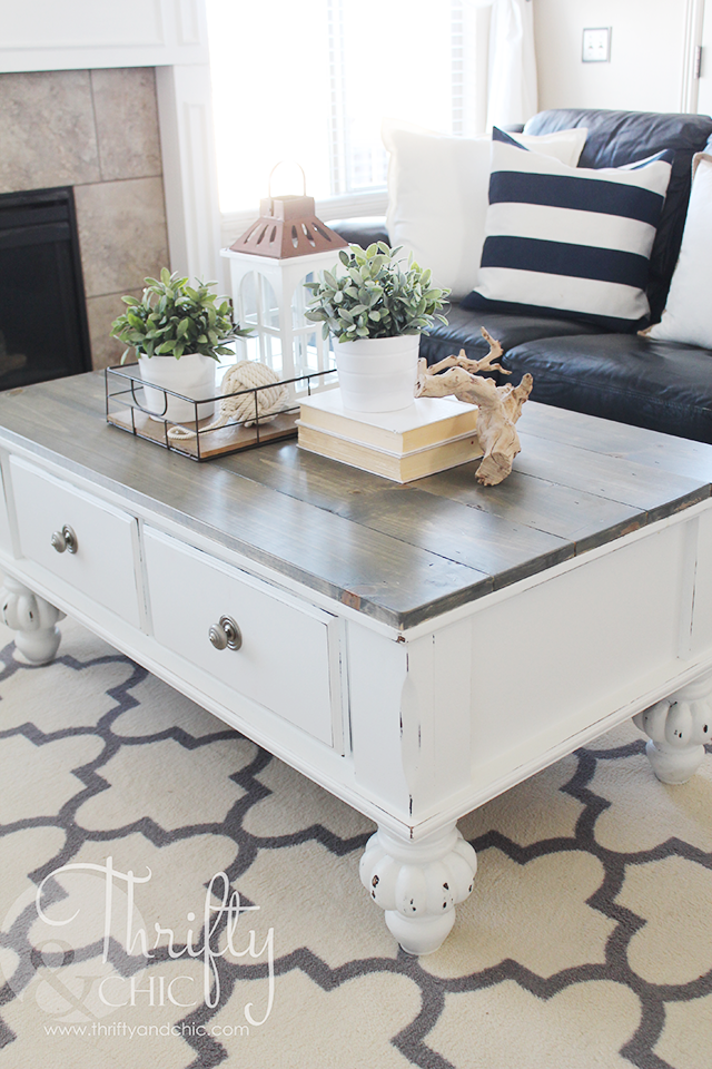 Farmhouse style coffee table makeover. How to update an