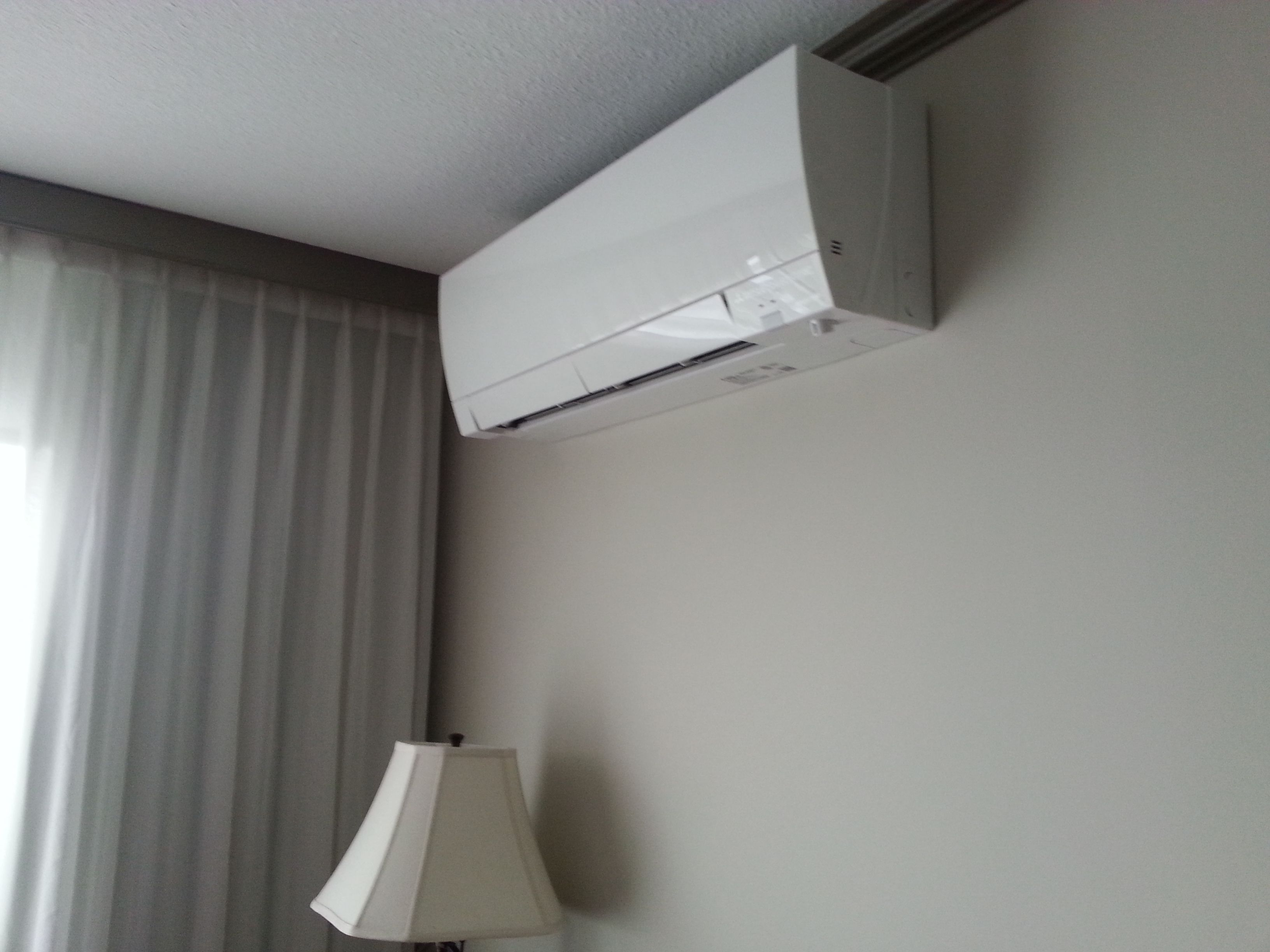 Mitsubishi Hyper Heat Wall Mount In A Guest Room Home
