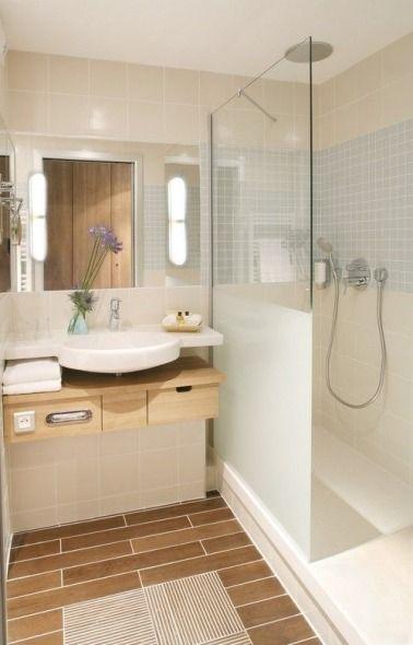 D co styl e pour une petite salle de bain carrelage imitation bois petites - Carrelage deco salle de bain ...
